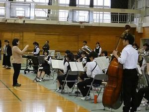 吹奏楽部による演奏