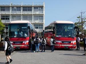遠足バス(1年)
